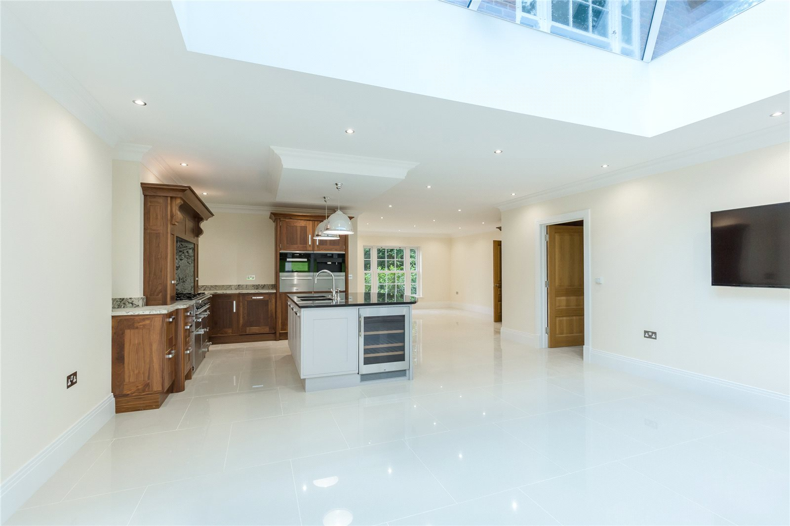 Additional photo for property listing at Strawberry Hill, Gerrards Cross, Buckinghamshire, SL9 Gerrards Cross, Inglaterra