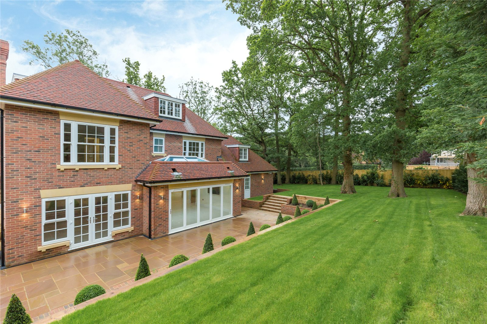 Additional photo for property listing at Strawberry Hill, Gerrards Cross, Buckinghamshire, SL9 Gerrards Cross, 英格蘭
