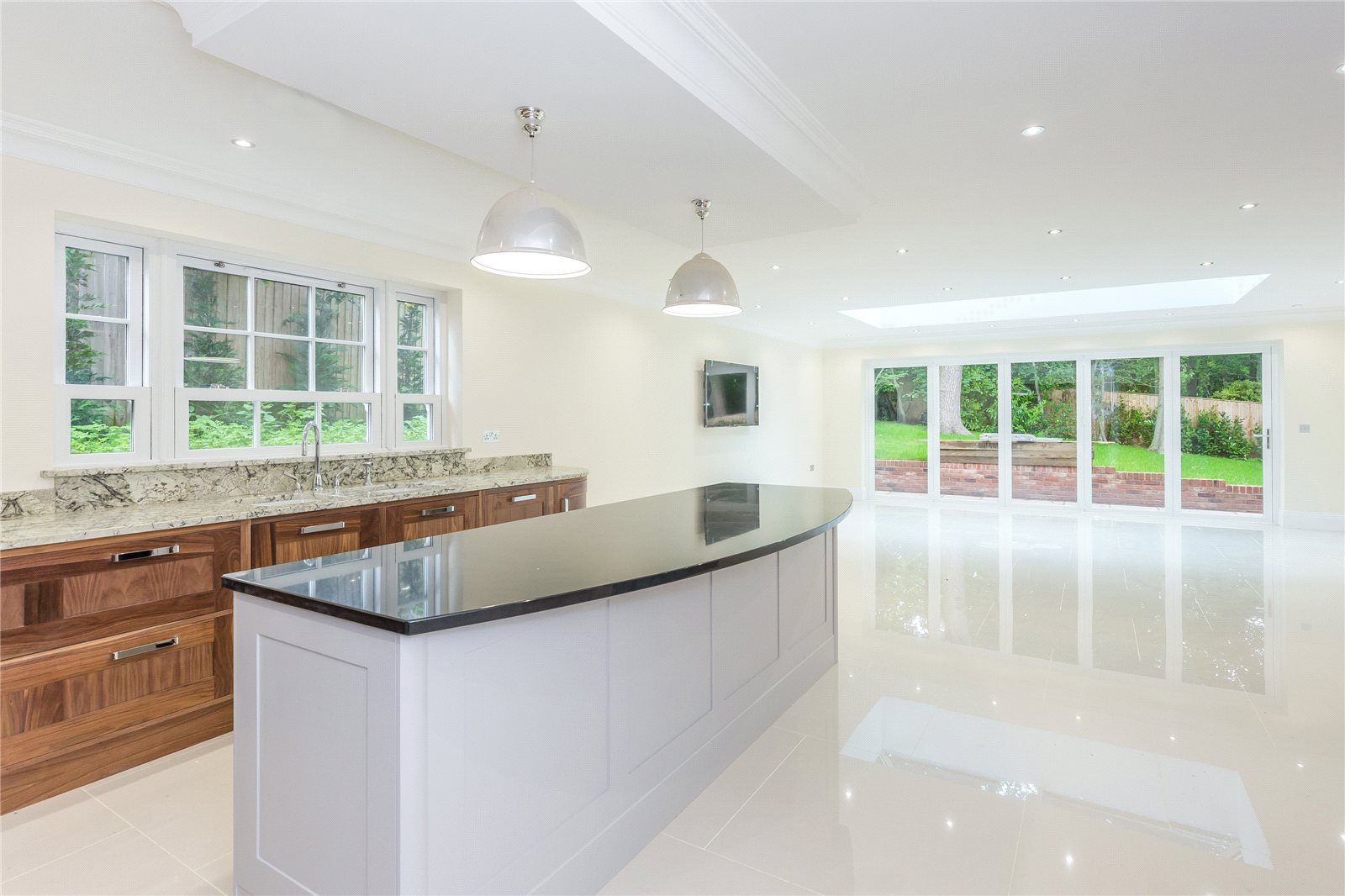 Additional photo for property listing at Strawberry Hill, Gerrards Cross, Buckinghamshire, SL9 Gerrards Cross, Inghilterra