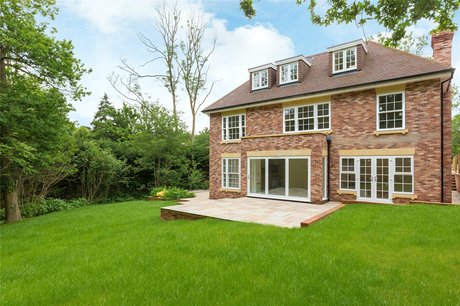 Additional photo for property listing at Strawberry Hill, Gerrards Cross, Buckinghamshire, SL9 Gerrards Cross, 영국