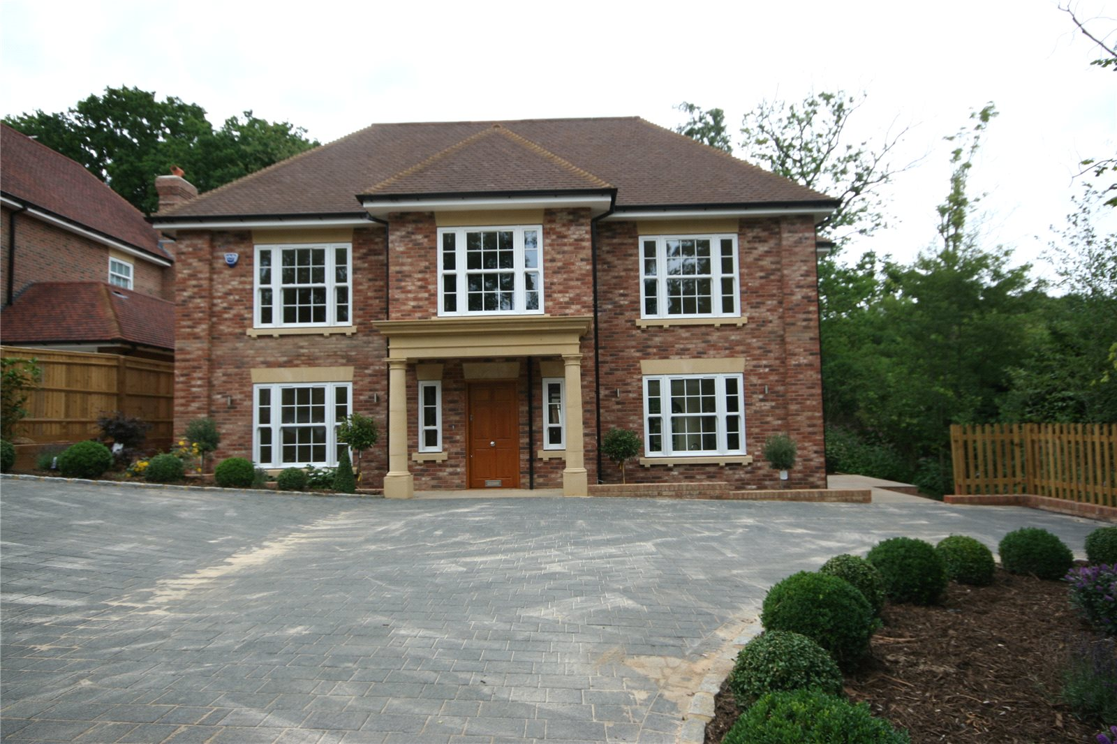 Additional photo for property listing at Strawberry Hill, Gerrards Cross, Buckinghamshire, SL9 Gerrards Cross, Engeland