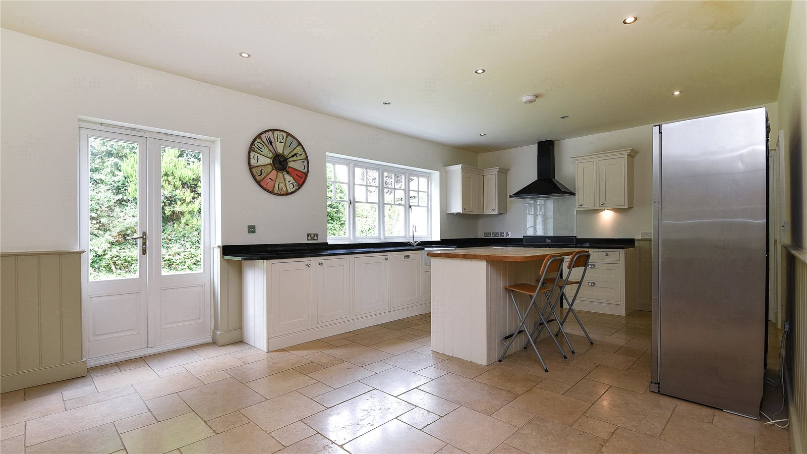 Additional photo for property listing at School Lane, Chalfont St Peter, Gerrards Cross, Buckinghamshire, SL9 Gerrards Cross, England