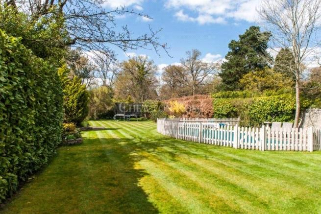 Additional photo for property listing at Windsor Road, Gerrards Cross, Buckinghamshire, SL9 Gerrards Cross, イギリス
