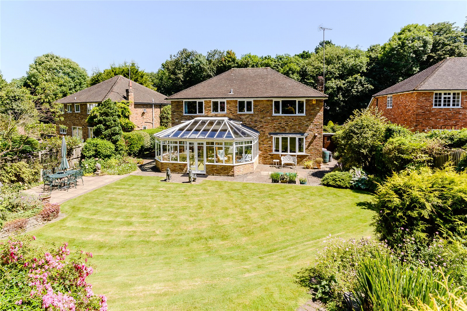 Additional photo for property listing at Russett Hill, Chalfont St Peter, Buckinghamshire, SL9 Chalfont St Peter, Angleterre