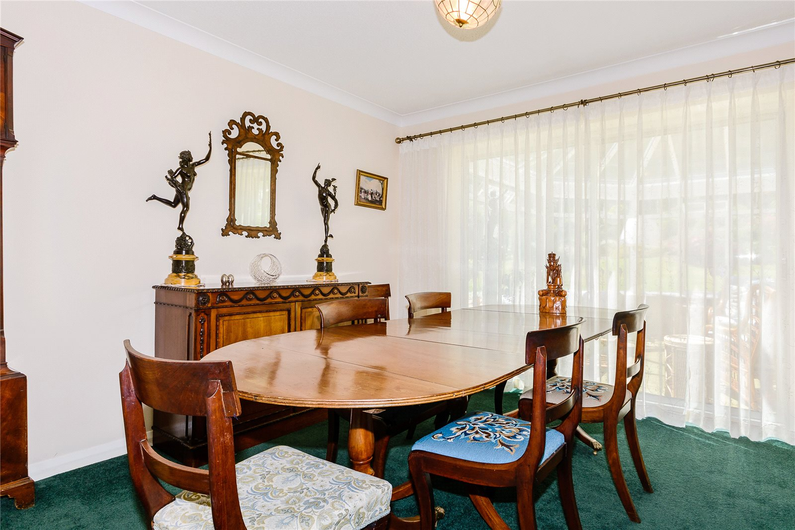 Additional photo for property listing at Russett Hill, Chalfont St Peter, Buckinghamshire, SL9 Chalfont St Peter, 英格蘭