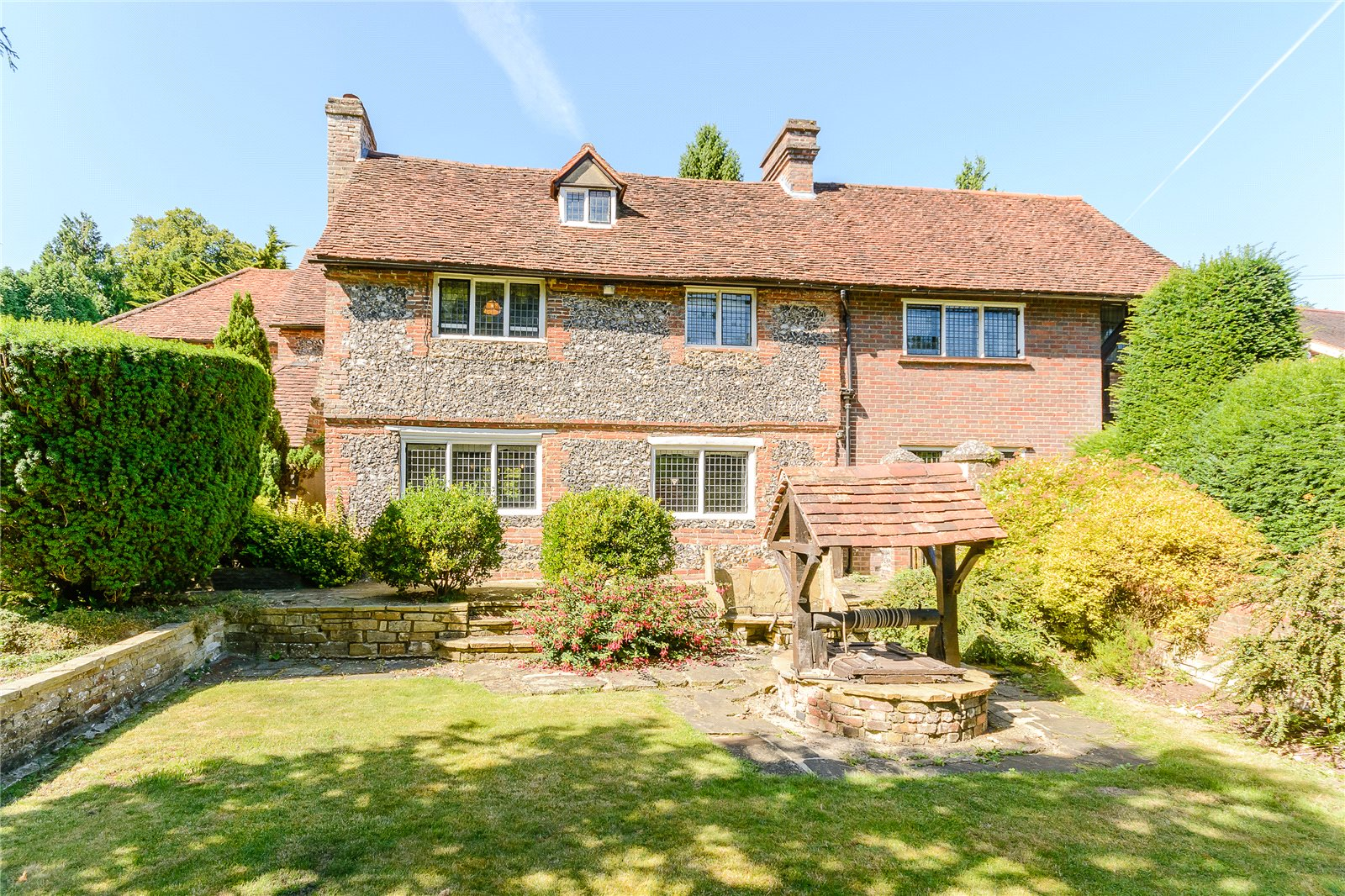 Additional photo for property listing at Claydon Lane, Chalfont St Peter, Gerrards Cross, Buckinghamshire, SL9 Gerrards Cross, Inghilterra