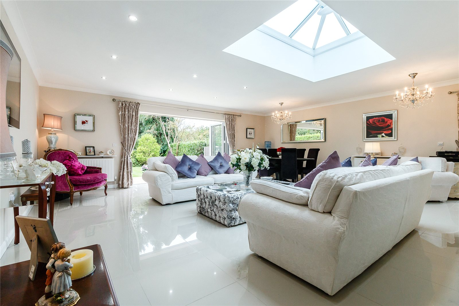 Additional photo for property listing at Farthing Green Lane, Stoke Poges, Buckinghamshire, SL2 Stoke Poges, 영국