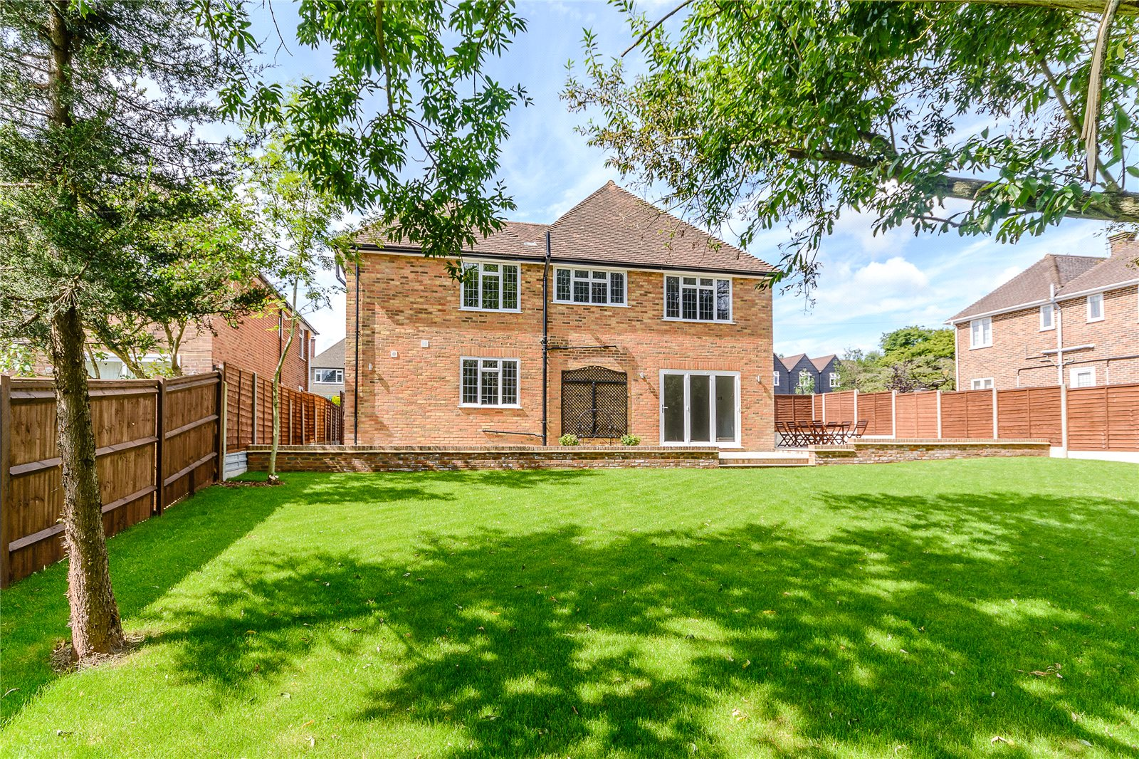 Additional photo for property listing at Moreland Drive, Gerrards Cross, Buckinghamshire, SL9 Gerrards Cross, Αγγλια