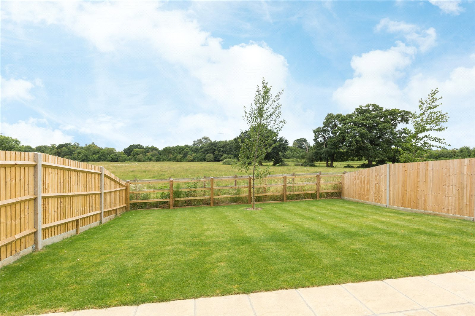 Additional photo for property listing at The Elm, Norfolk Place, Love Lane, Iver, Buckinghamshire, SL0 Iver, Angleterre