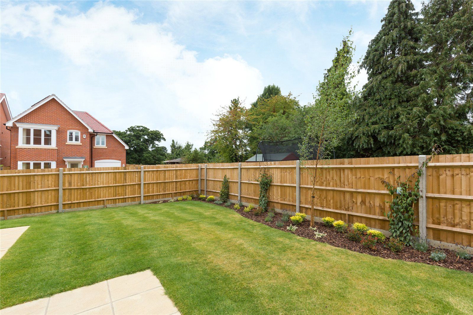 Additional photo for property listing at The Oak, Norfolk Place, Love Lane, Iver, Buckinghamshire, SL0 Iver, Αγγλια