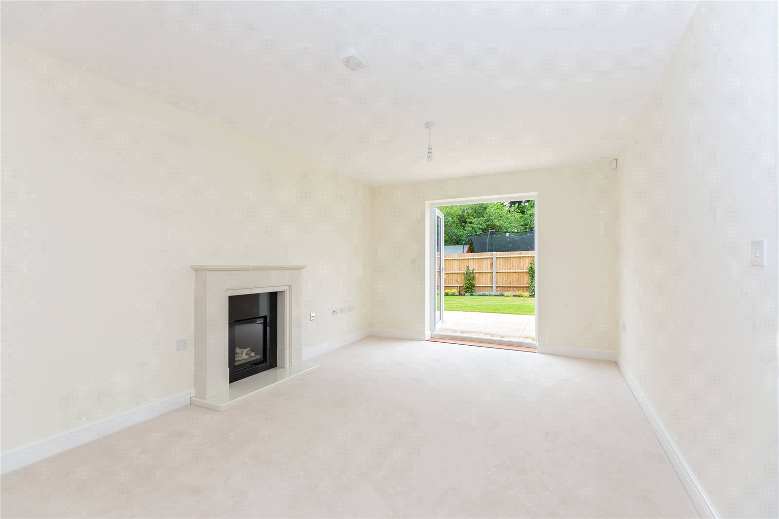 Additional photo for property listing at The Oak, Norfolk Place, Love Lane, Iver, Buckinghamshire, SL0 Iver, 英格兰