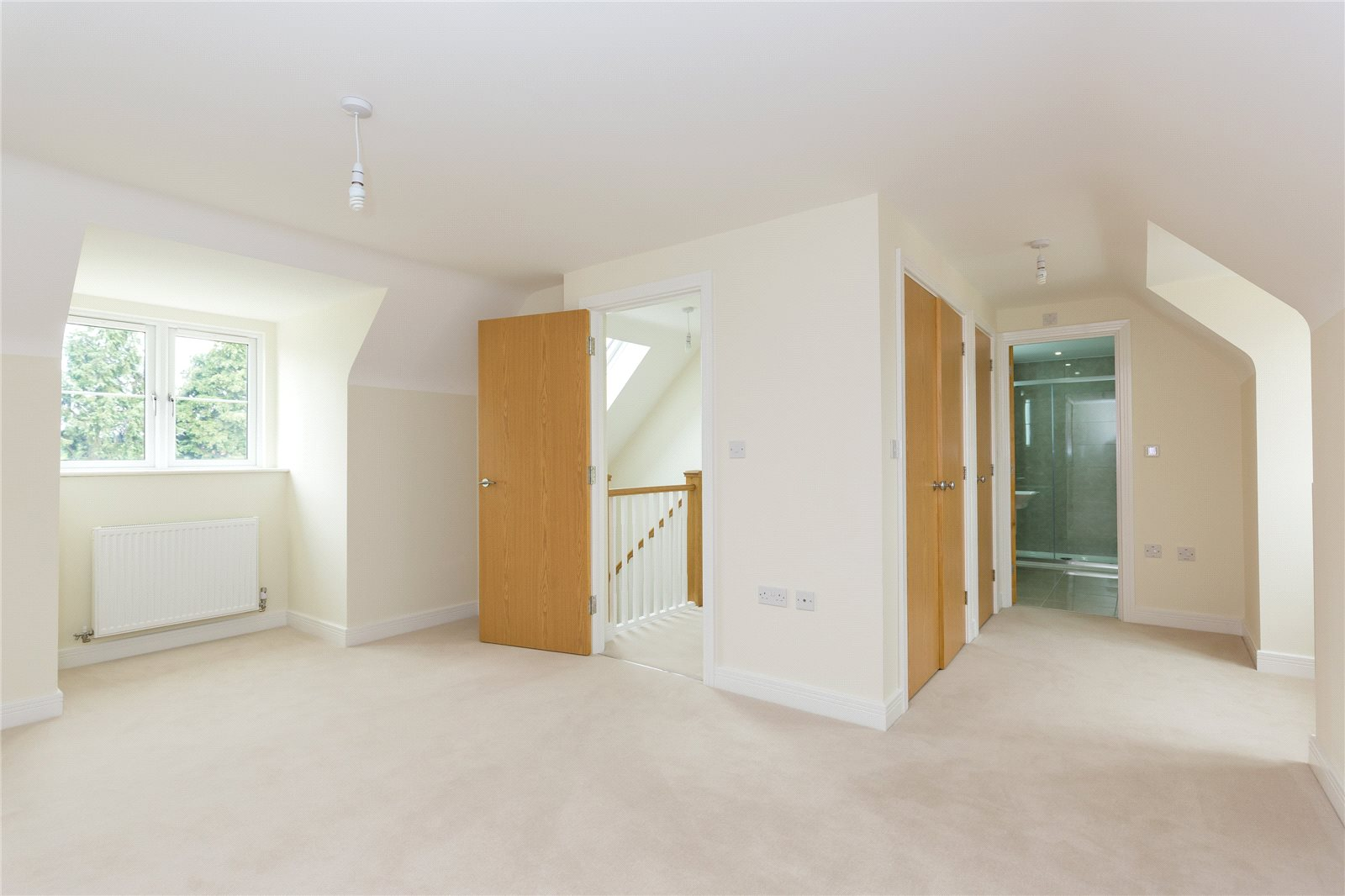 Additional photo for property listing at The Oak, Norfolk Place, Love Lane, Iver, Buckinghamshire, SL0 Iver, Inglaterra
