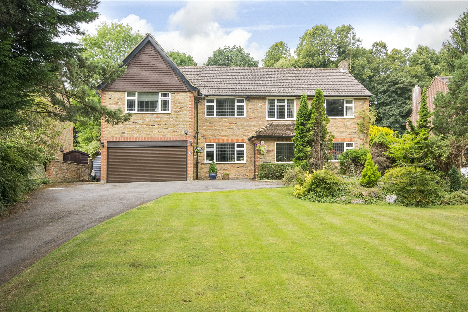 Single Family Home for Sale at Claydon End, Chalfont St Peter, Gerrards Cross, Buckinghamshire, SL9 Gerrards Cross, England