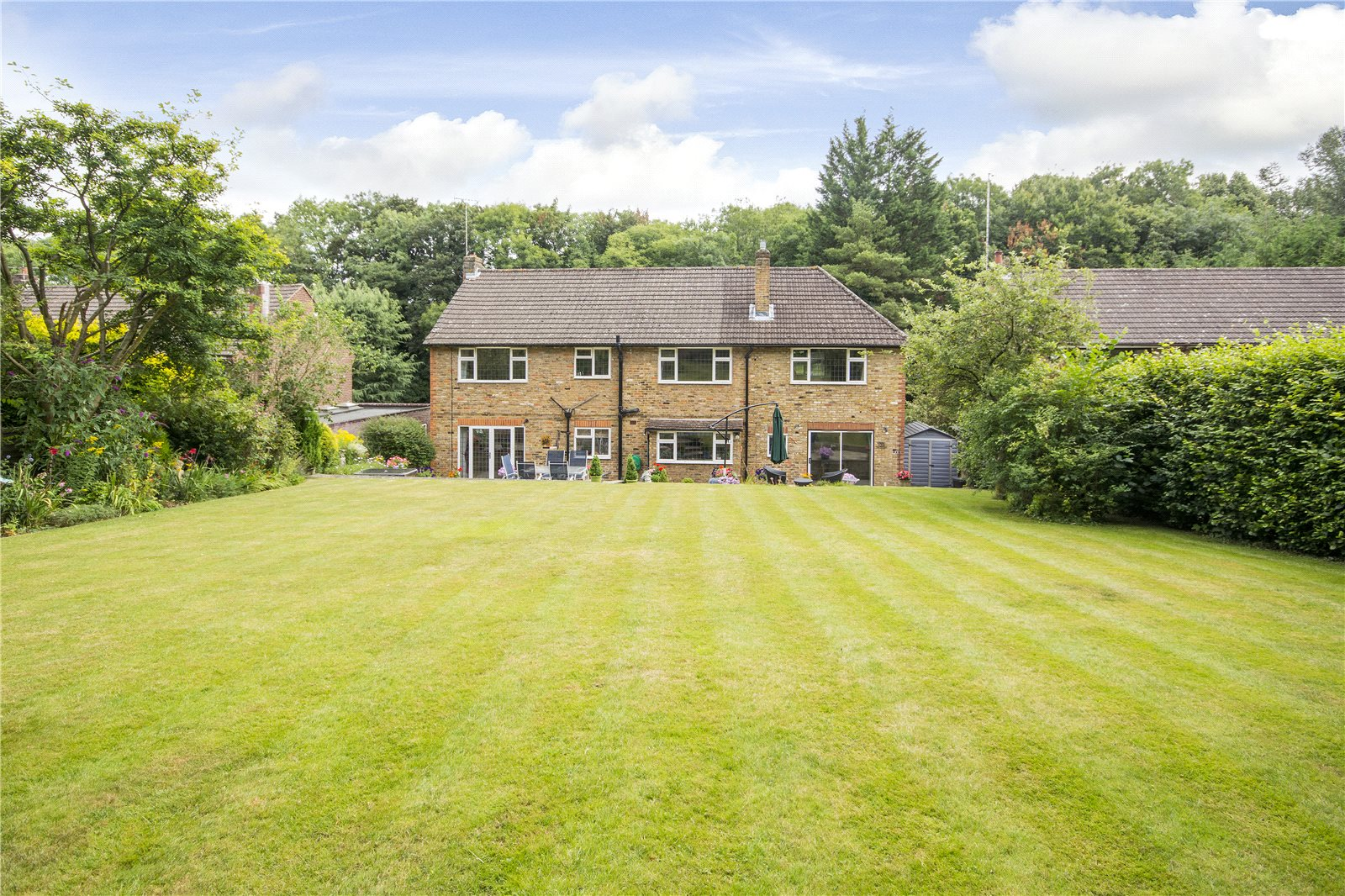 Additional photo for property listing at Claydon End, Chalfont St Peter, Gerrards Cross, Buckinghamshire, SL9 Gerrards Cross, England