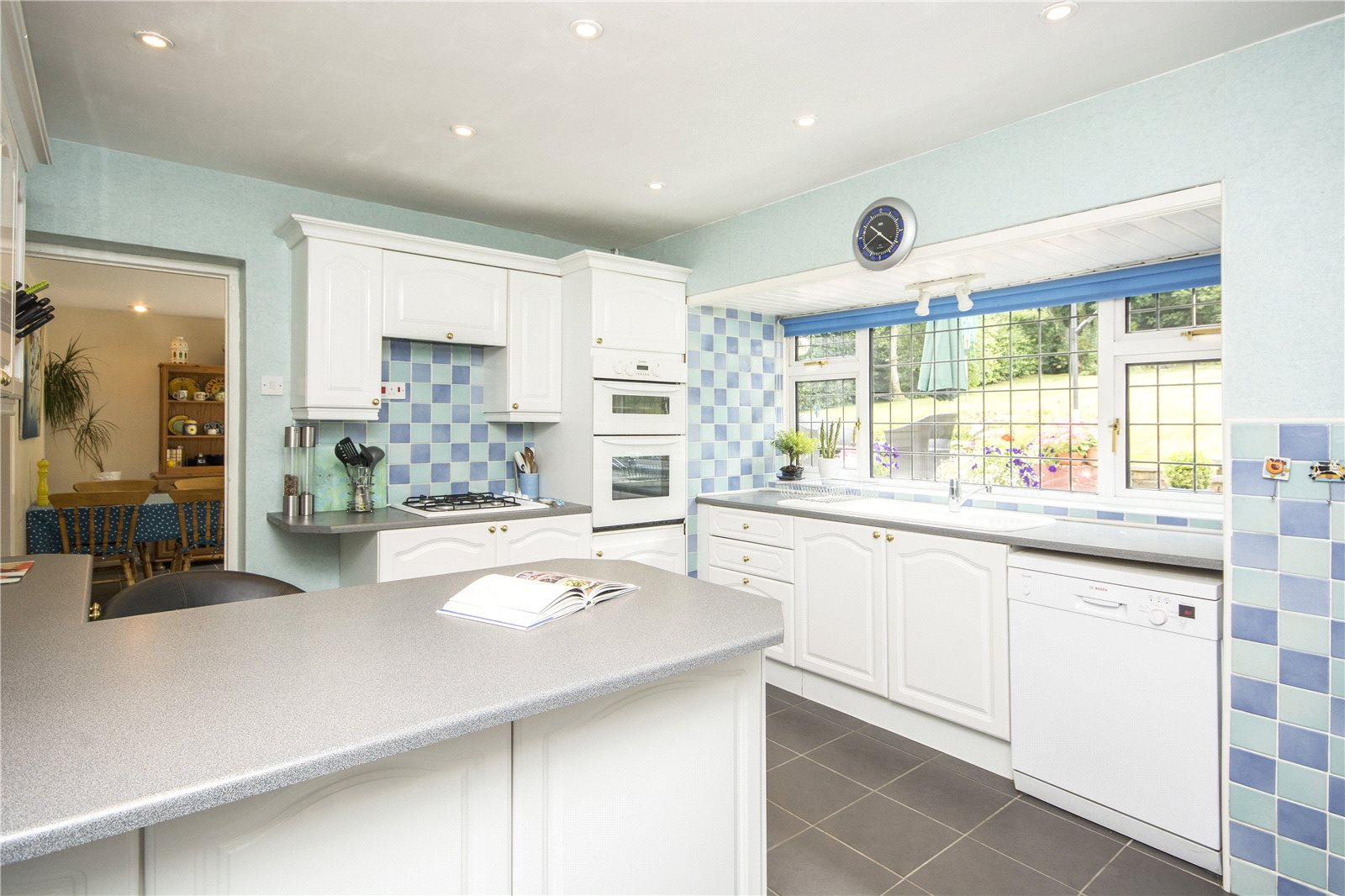 Additional photo for property listing at Claydon End, Chalfont St Peter, Gerrards Cross, Buckinghamshire, SL9 Gerrards Cross, Αγγλια