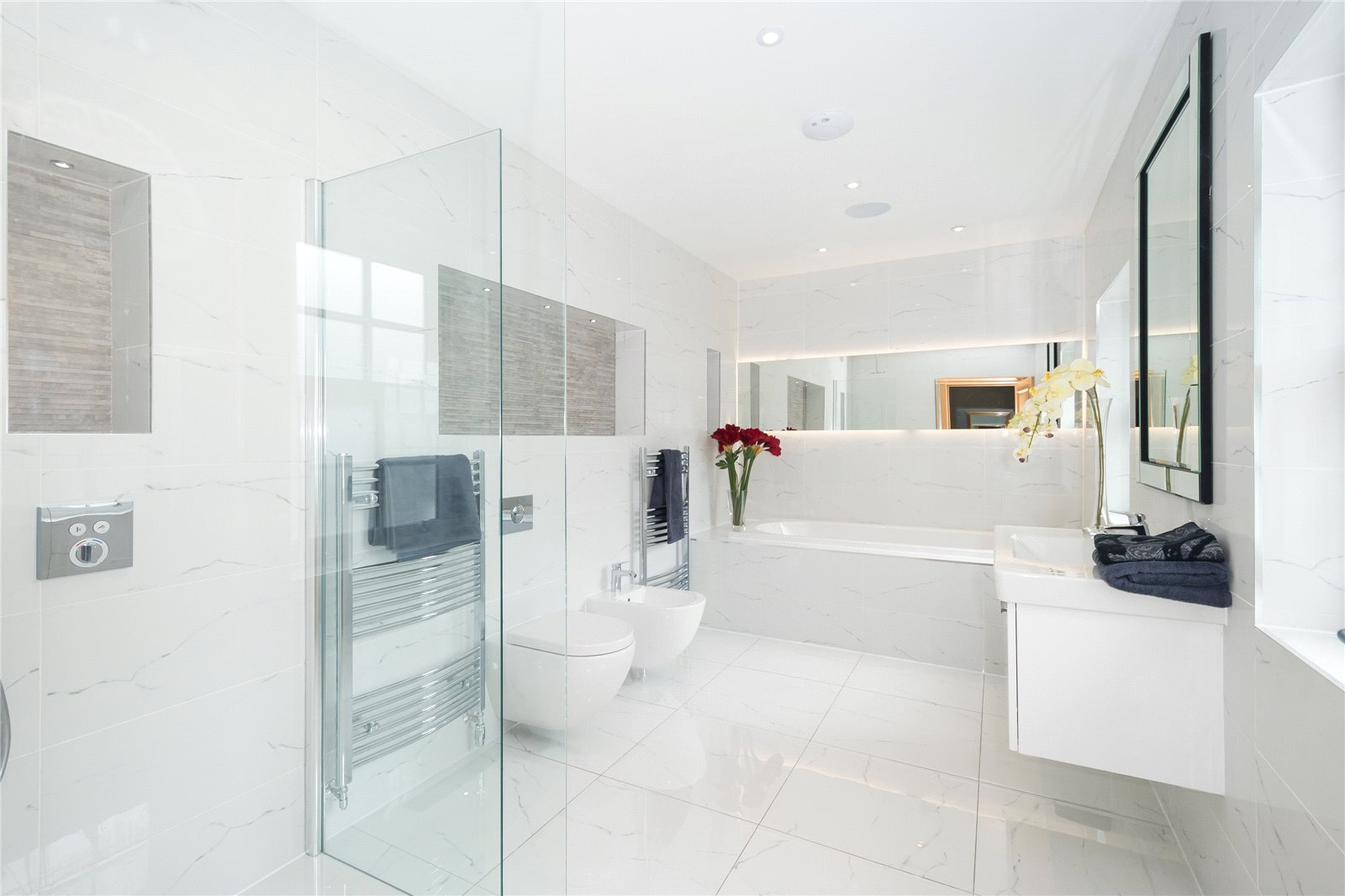 Additional photo for property listing at Coombe Vale, Gerrards Cross, Buckinghamshire, SL9 Gerrards Cross, 英格兰