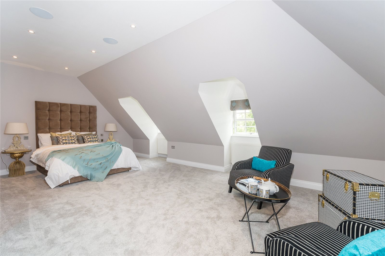Additional photo for property listing at Coombe Vale, Gerrards Cross, Buckinghamshire, SL9 Gerrards Cross, Inglaterra
