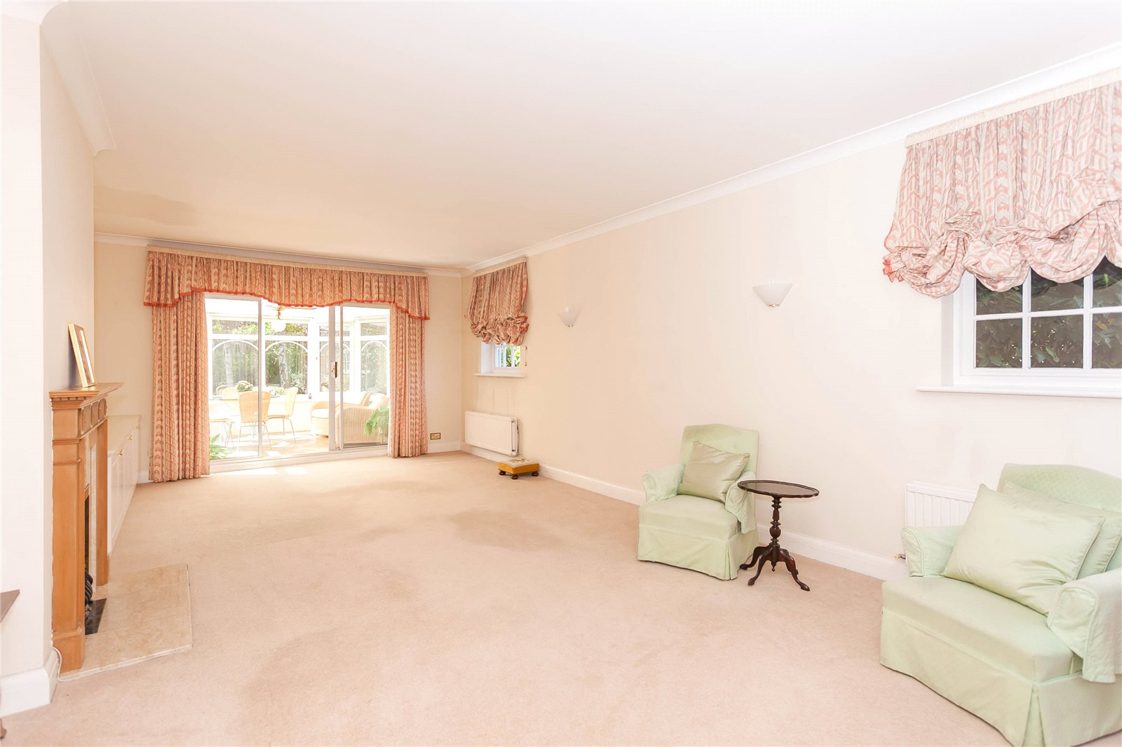 Additional photo for property listing at Donnay Close, Gerrards Cross, Buckinghamshire, SL9 Gerrards Cross, Англия