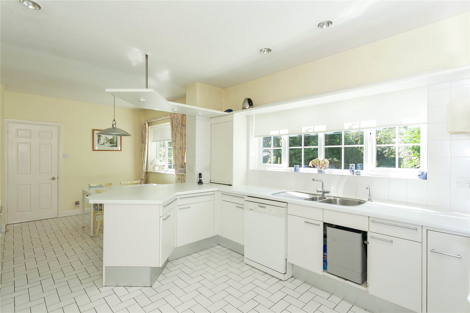 Additional photo for property listing at Donnay Close, Gerrards Cross, Buckinghamshire, SL9 Gerrards Cross, Αγγλια