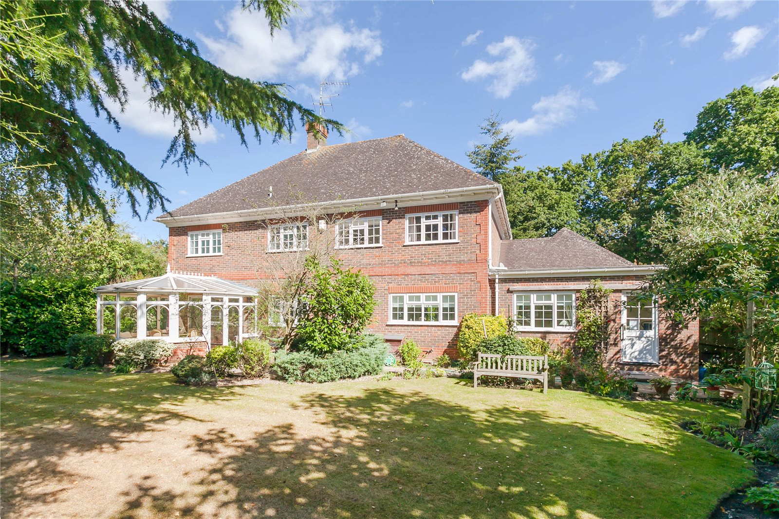 Additional photo for property listing at Donnay Close, Gerrards Cross, Buckinghamshire, SL9 Gerrards Cross, Anh Quốc