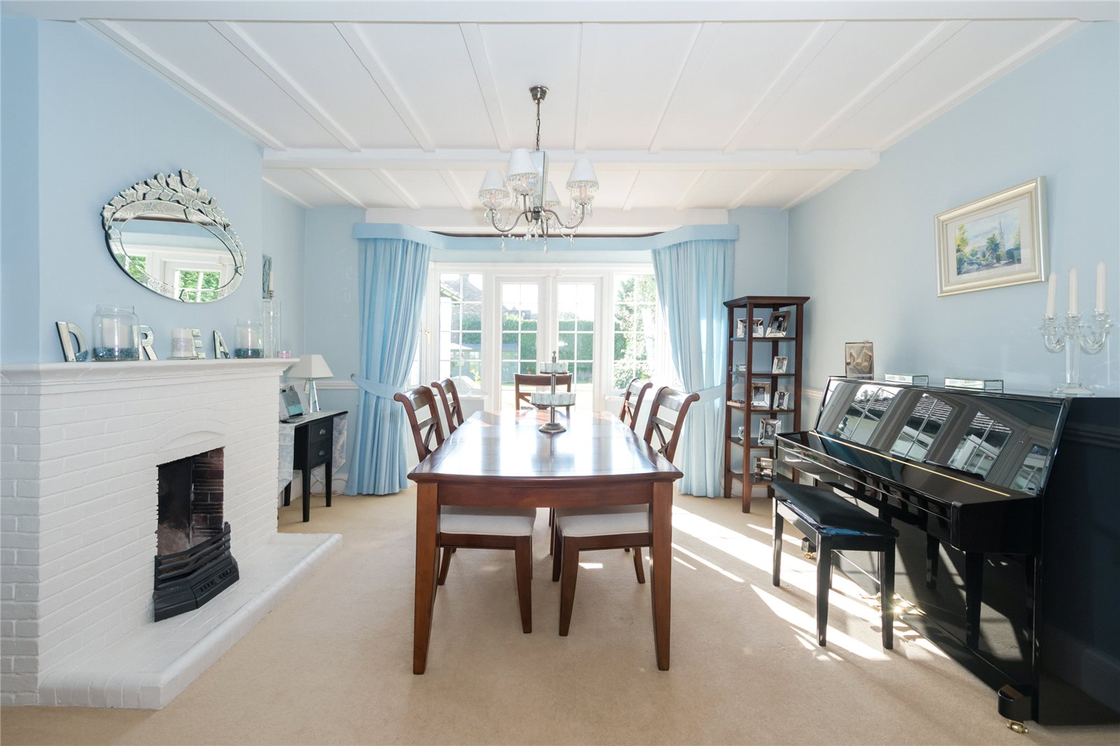 Additional photo for property listing at Priory Road, Chalfont St Peter, Buckinghamshire, SL9 Chalfont St Peter, Angleterre
