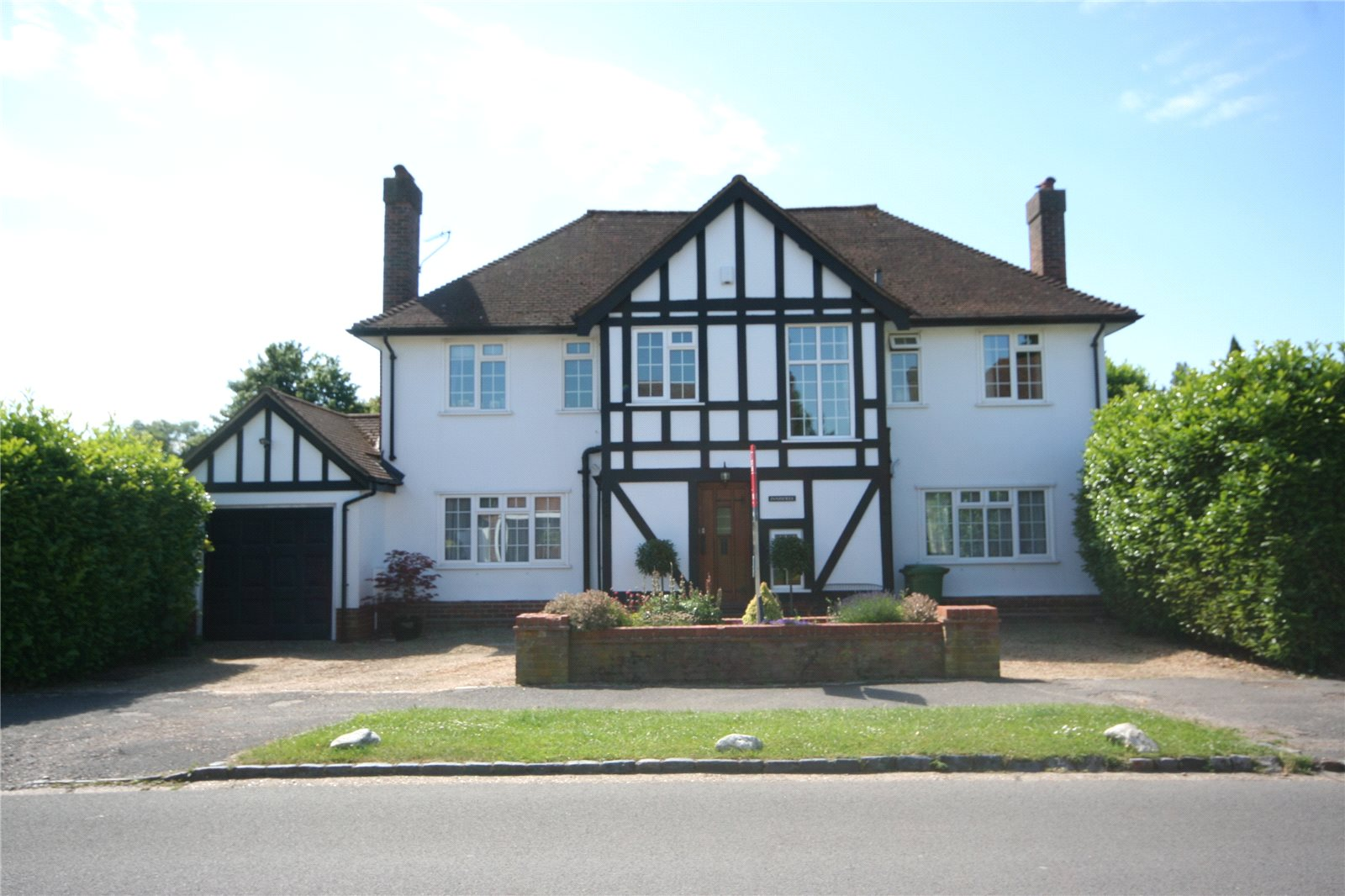 Additional photo for property listing at Priory Road, Chalfont St Peter, Buckinghamshire, SL9 Chalfont St Peter, イギリス