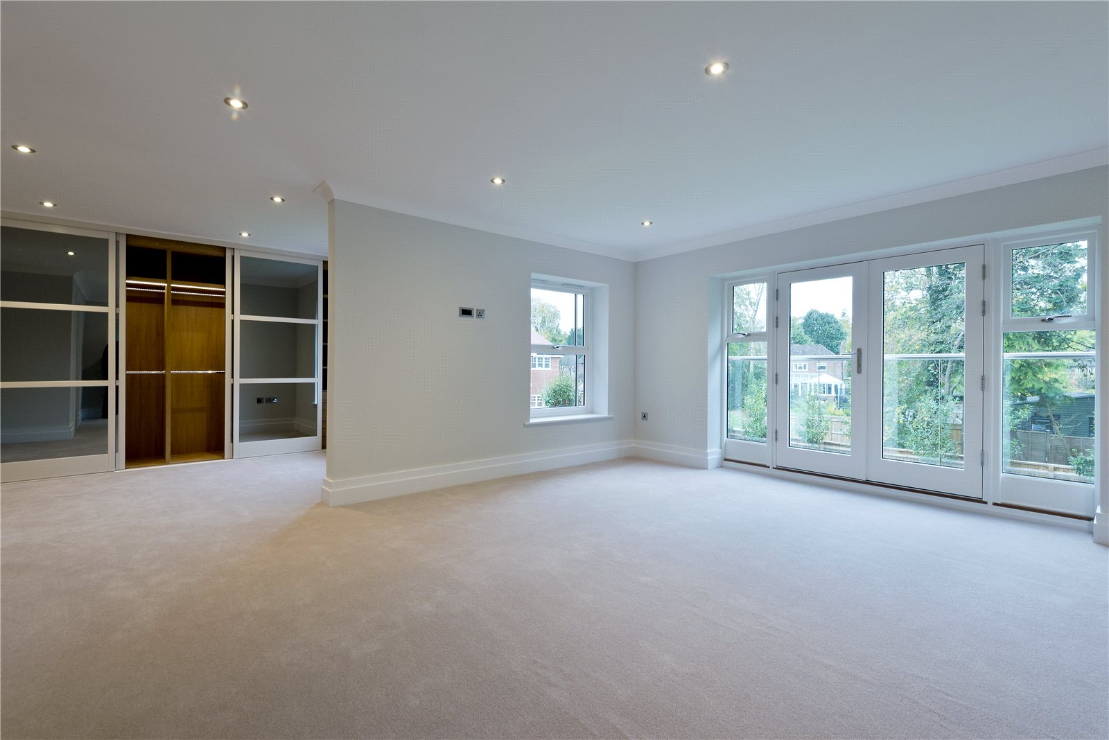 Additional photo for property listing at Glade In The Spinney, Gerrards Cross, Buckinghamshire, SL9 Gerrards Cross, England