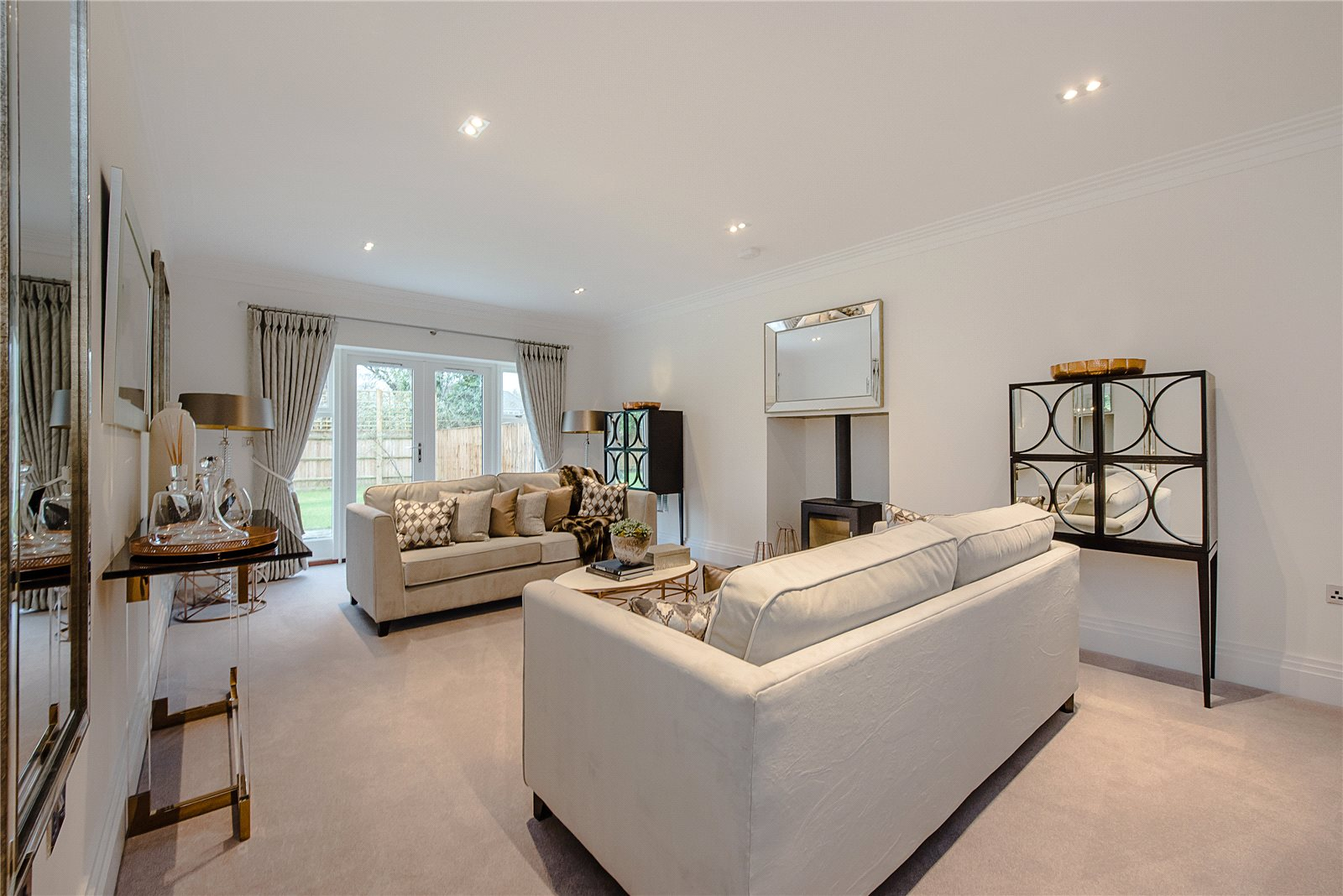 Additional photo for property listing at Glade In The Spinney, Gerrards Cross, Buckinghamshire, SL9 Gerrards Cross, Inglaterra