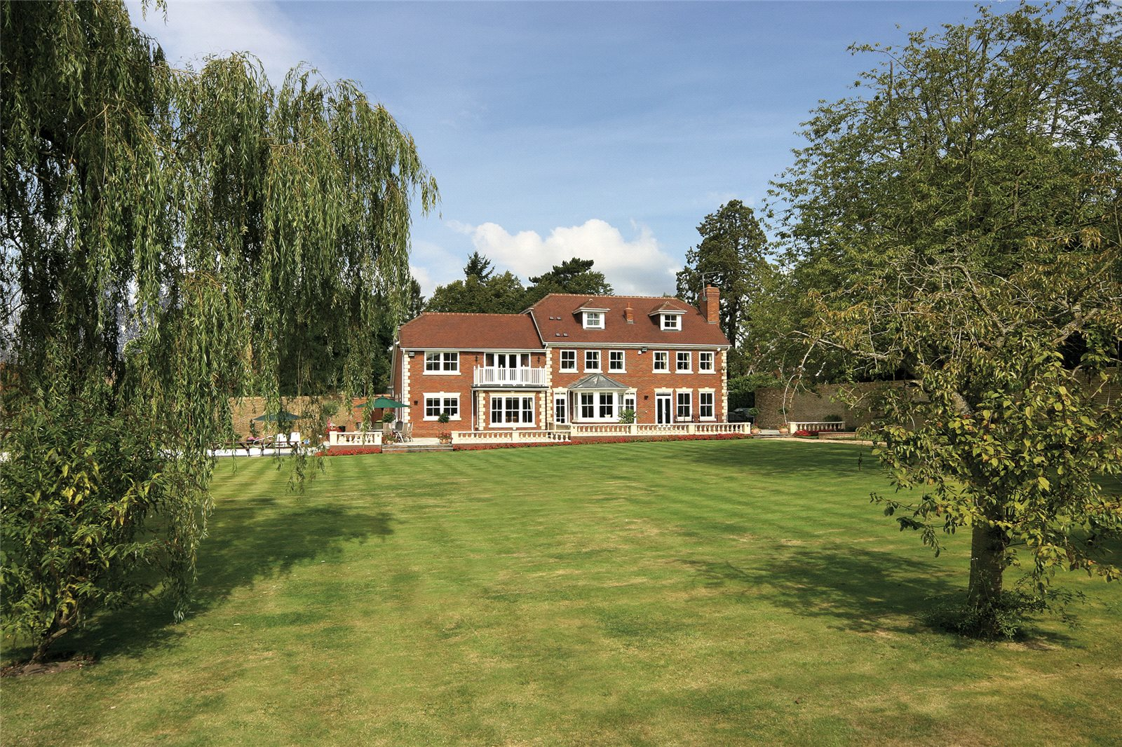 Additional photo for property listing at Tilehouse Lane, Denham, Buckinghamshire, UB9 Denham, Inglaterra