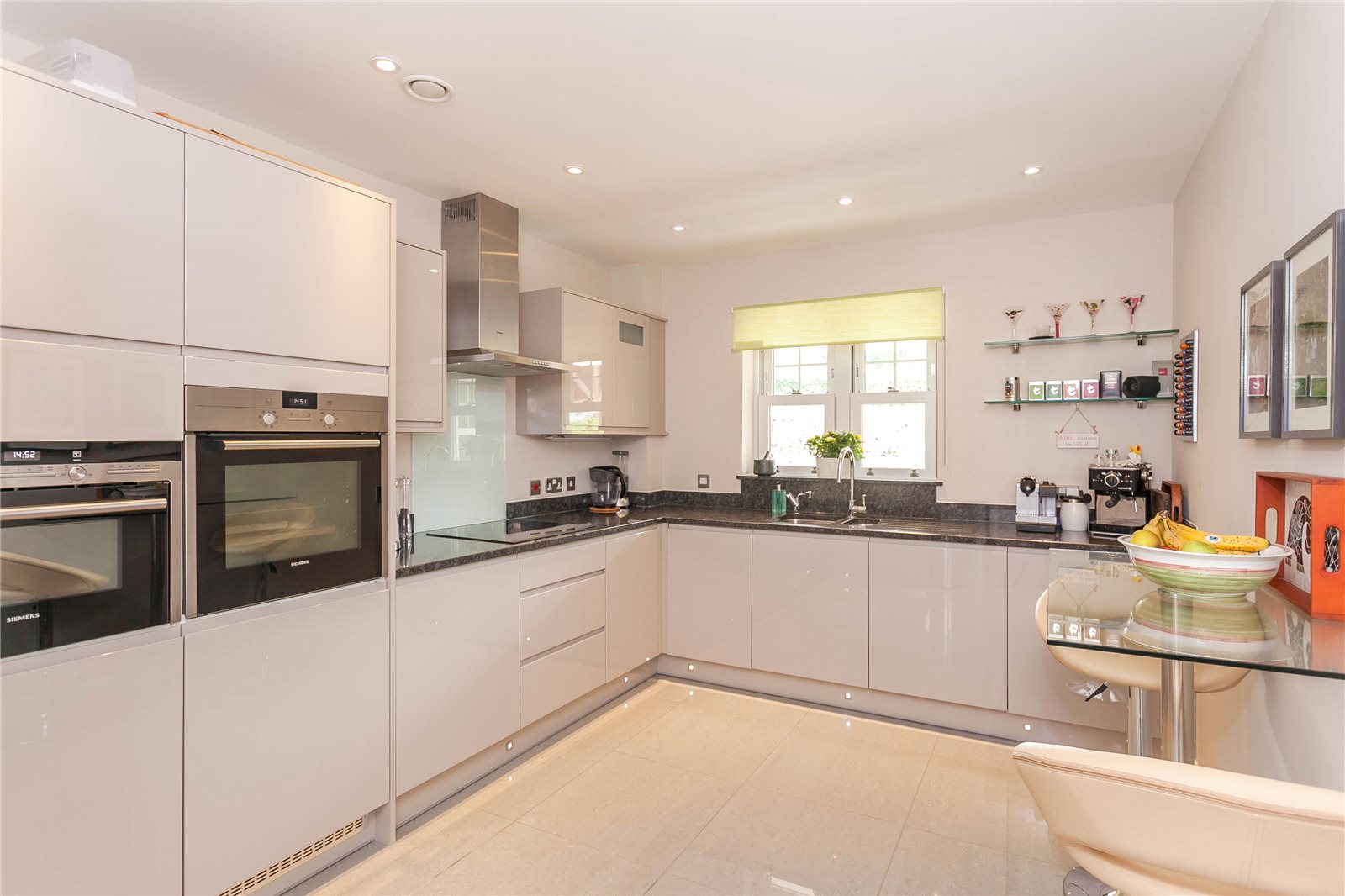 Additional photo for property listing at Baytrees, 20 South Park View, Gerrards Cross, Buckinghamshire, SL9 Gerrards Cross, Inglaterra