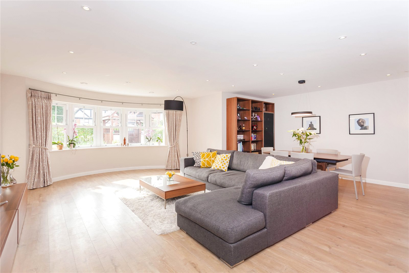 Additional photo for property listing at Baytrees, 20 South Park View, Gerrards Cross, Buckinghamshire, SL9 Gerrards Cross, Αγγλια
