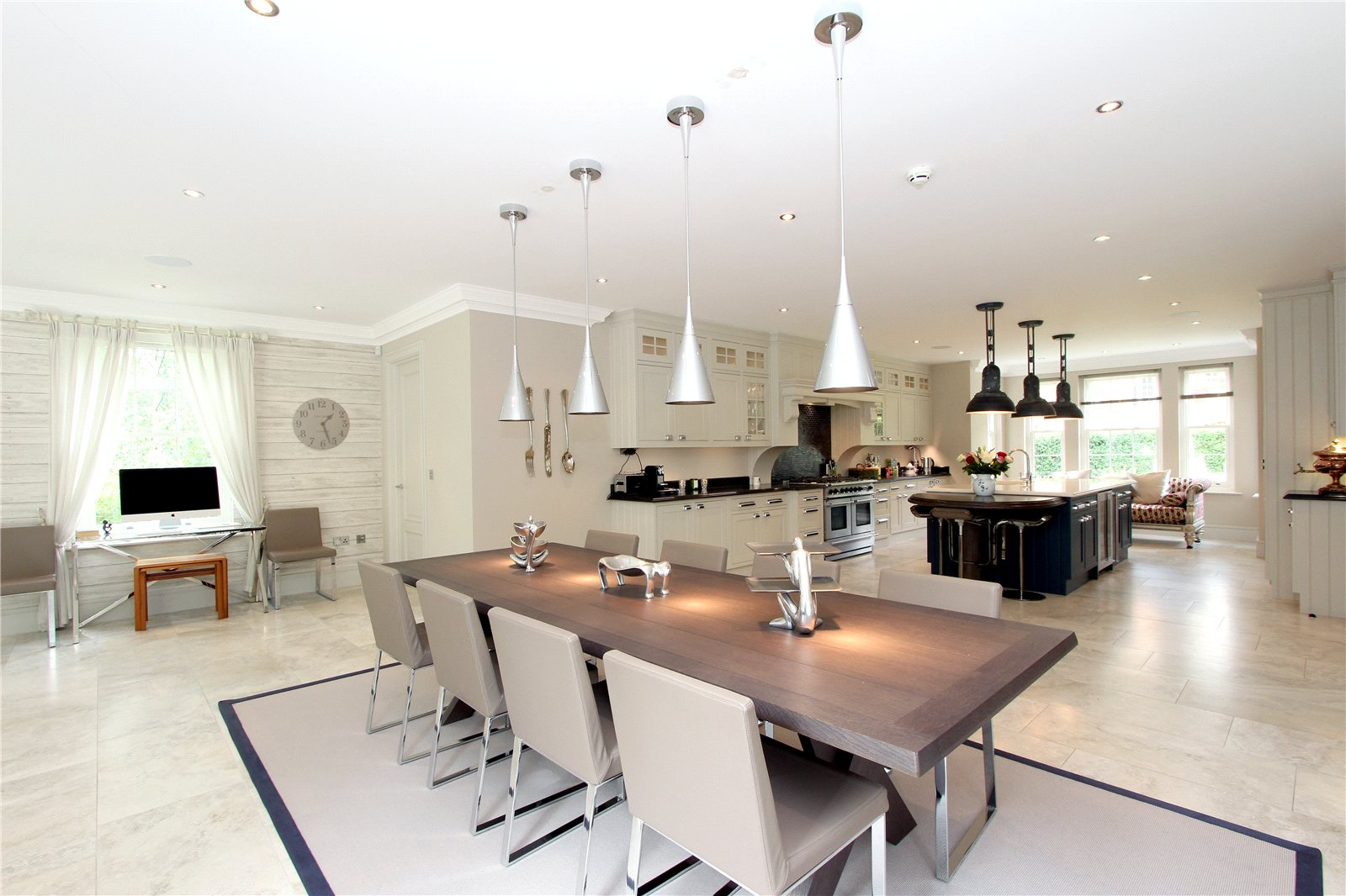 Additional photo for property listing at Oak Wood Place, Gerrards Cross, Buckinghamshire, SL9 Gerrards Cross, Inglaterra