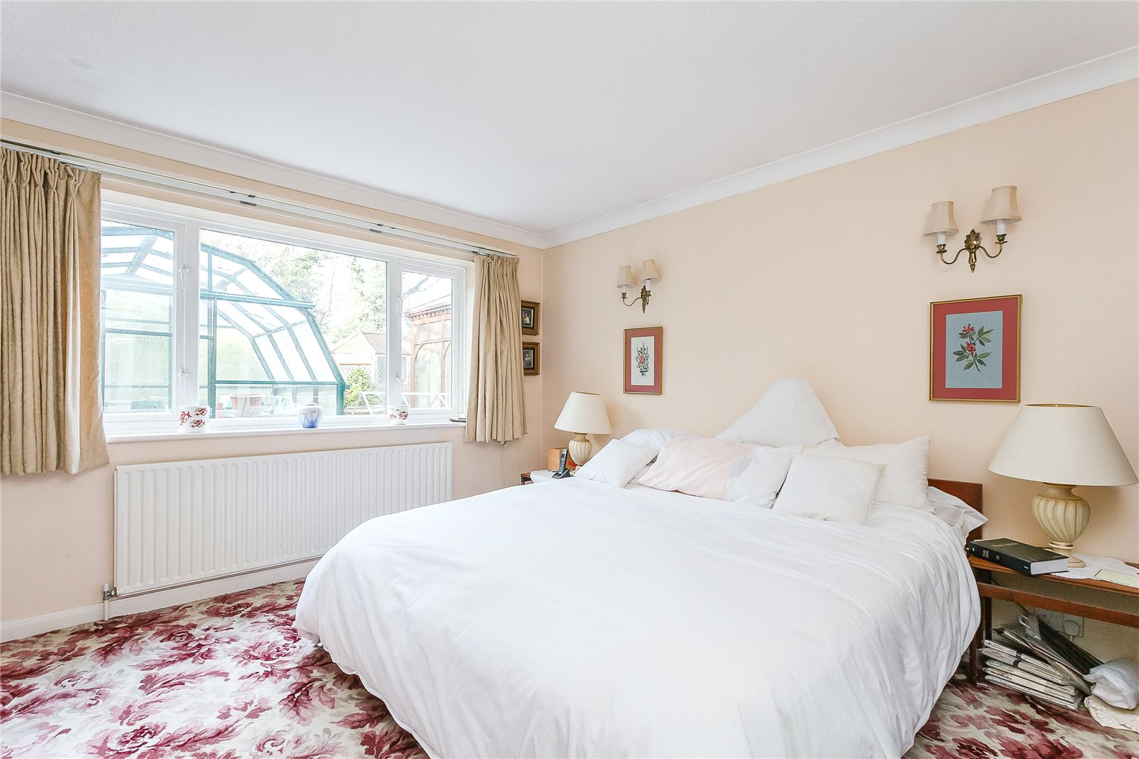 Additional photo for property listing at Dukes Close, Gerrards Cross, Buckinghamshire, SL9 Gerrards Cross, Anh Quốc