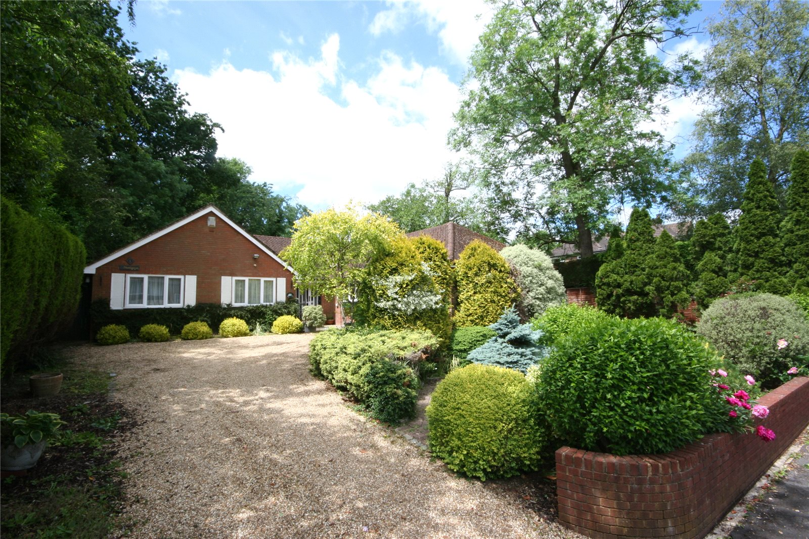 Additional photo for property listing at Dukes Close, Gerrards Cross, Buckinghamshire, SL9 Gerrards Cross, Angleterre