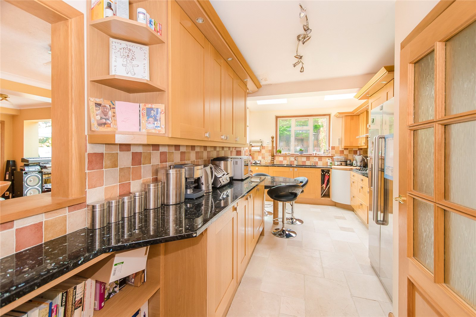 Additional photo for property listing at Lower Road, Denham, Uxbridge, Middlesex, UB9 Middlesex, Inglaterra