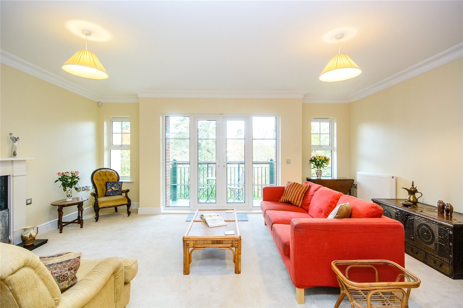 Additional photo for property listing at Crompton Hall, South Park, Gerrards Cross, Buckinghamshire, SL9 Gerrards Cross, Ingiltere