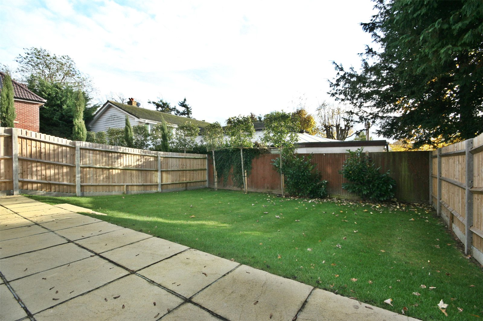 Additional photo for property listing at The Maple, Norfolk Place, Love Lane, Iver, Buckinghamshire, SL0 Iver, Англия