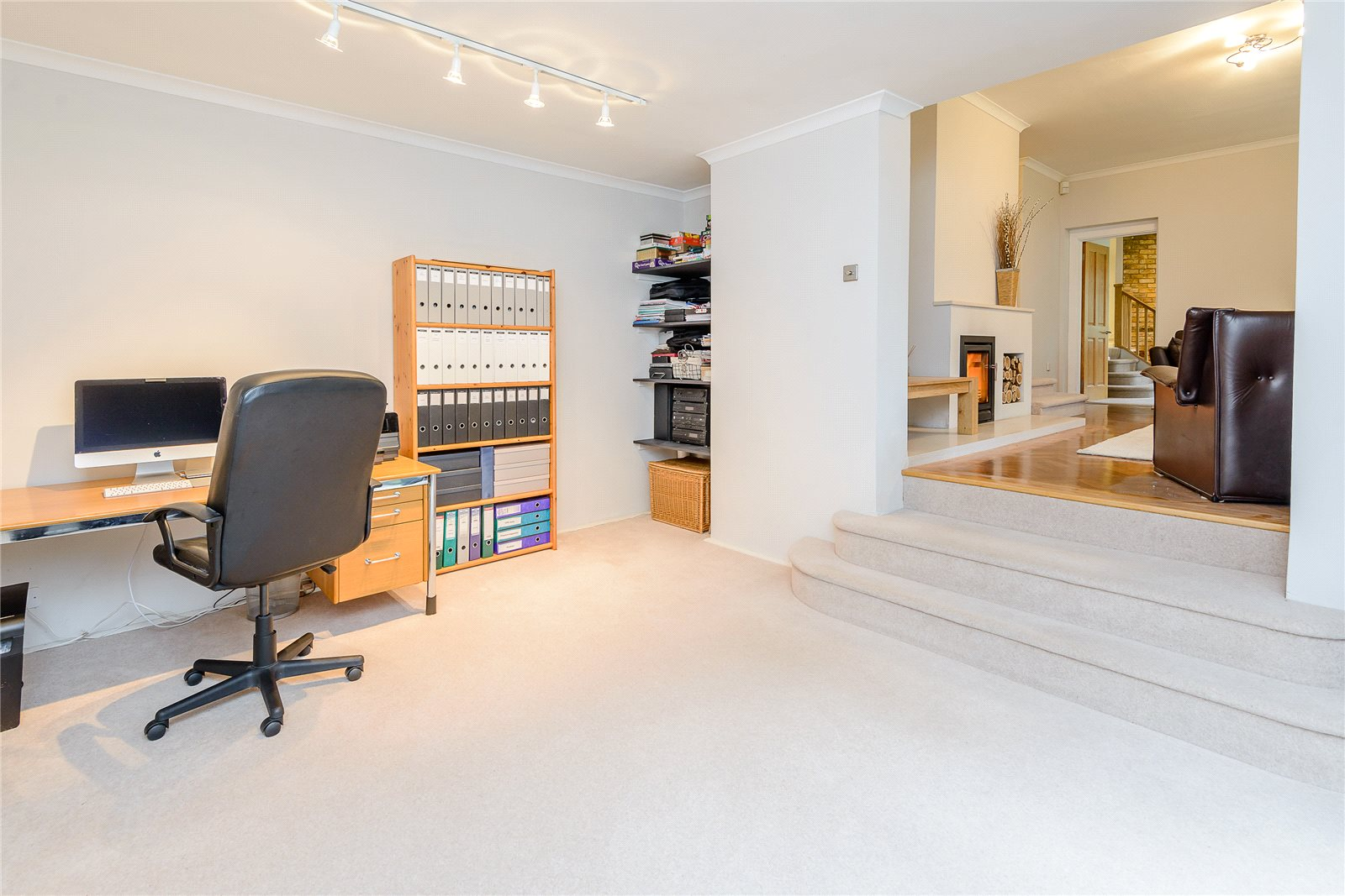 Additional photo for property listing at Ellis Avenue, Chalfont St. Peter, Gerrards Cross, Buckinghamshire, SL9 Gerrards Cross, 英格蘭