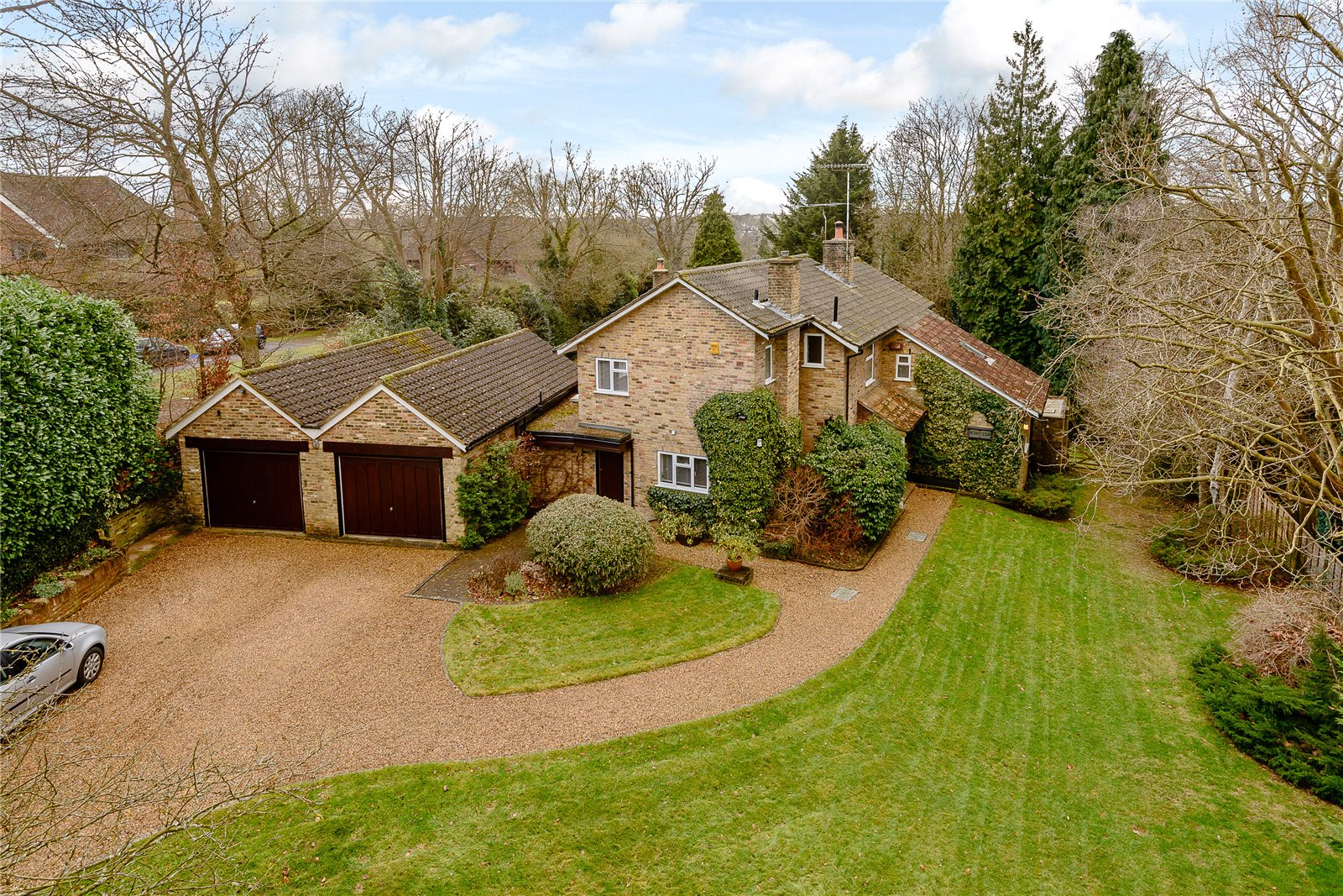 Additional photo for property listing at Ellis Avenue, Chalfont St. Peter, Gerrards Cross, Buckinghamshire, SL9 Gerrards Cross, Angleterre