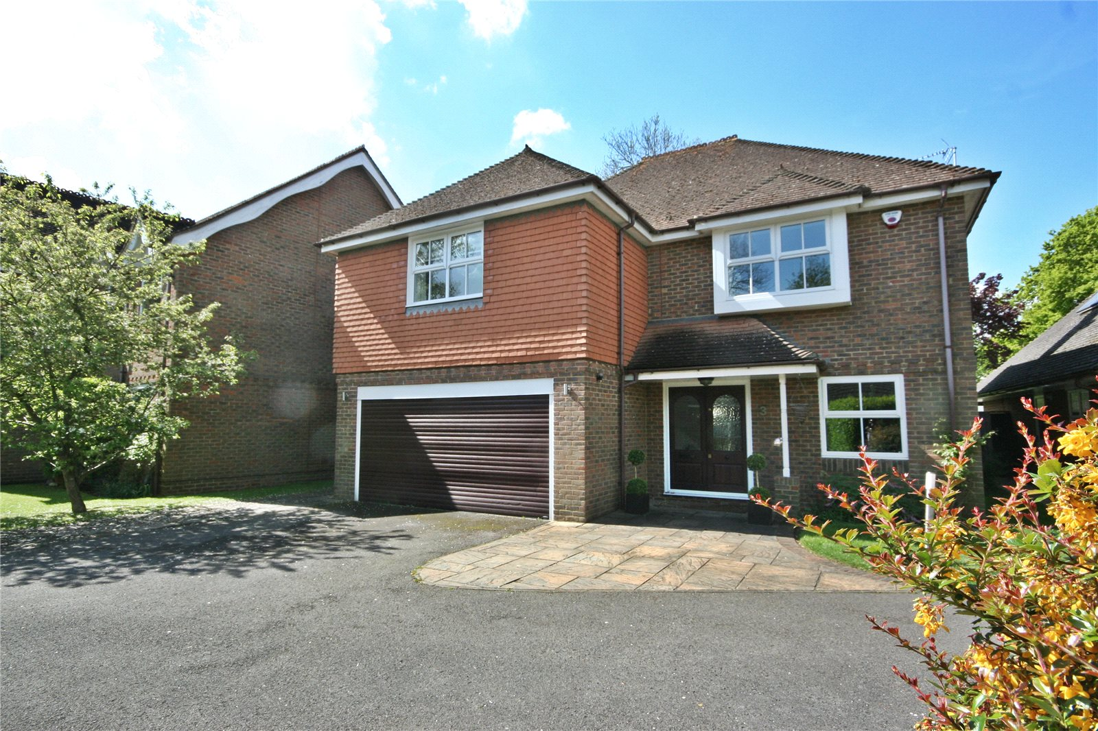Additional photo for property listing at Bramble Close, Chalfont St Peter, Buckinghamshire, SL9 Chalfont St Peter, Angleterre