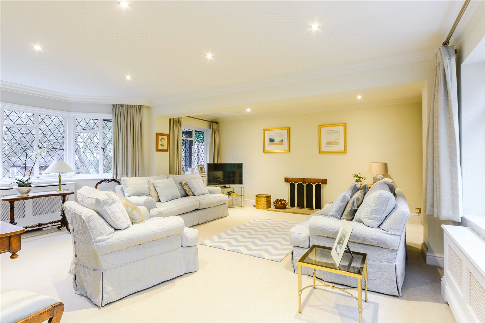 Additional photo for property listing at Howards Wood Drive, Gerrards Cross, Buckinghamshire, SL9 Gerrards Cross, Inglaterra