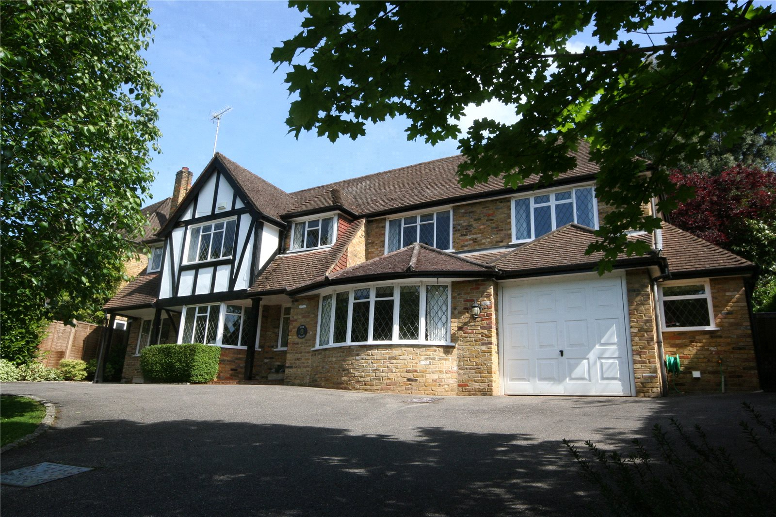Vivienda unifamiliar por un Venta en Howards Wood Drive, Gerrards Cross, Buckinghamshire, SL9 Gerrards Cross, Inglaterra