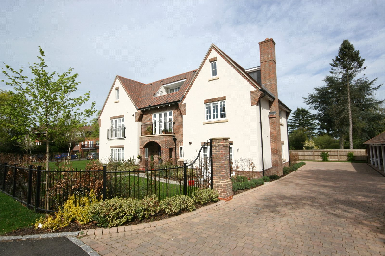 集合住宅 のために 売買 アット Aspin Lodge, 38 North Park, Gerrards Cross, Buckinghamshire, SL9 Gerrards Cross, イギリス