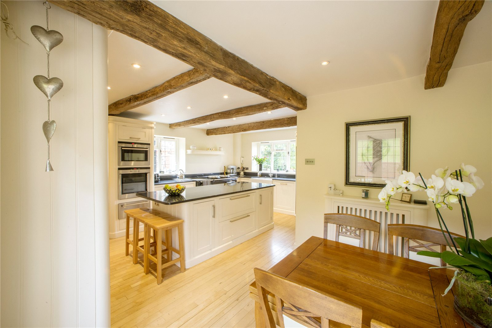 Additional photo for property listing at Grove Road, Burnham, Buckinghamshire, SL1 Burnham, Ingiltere