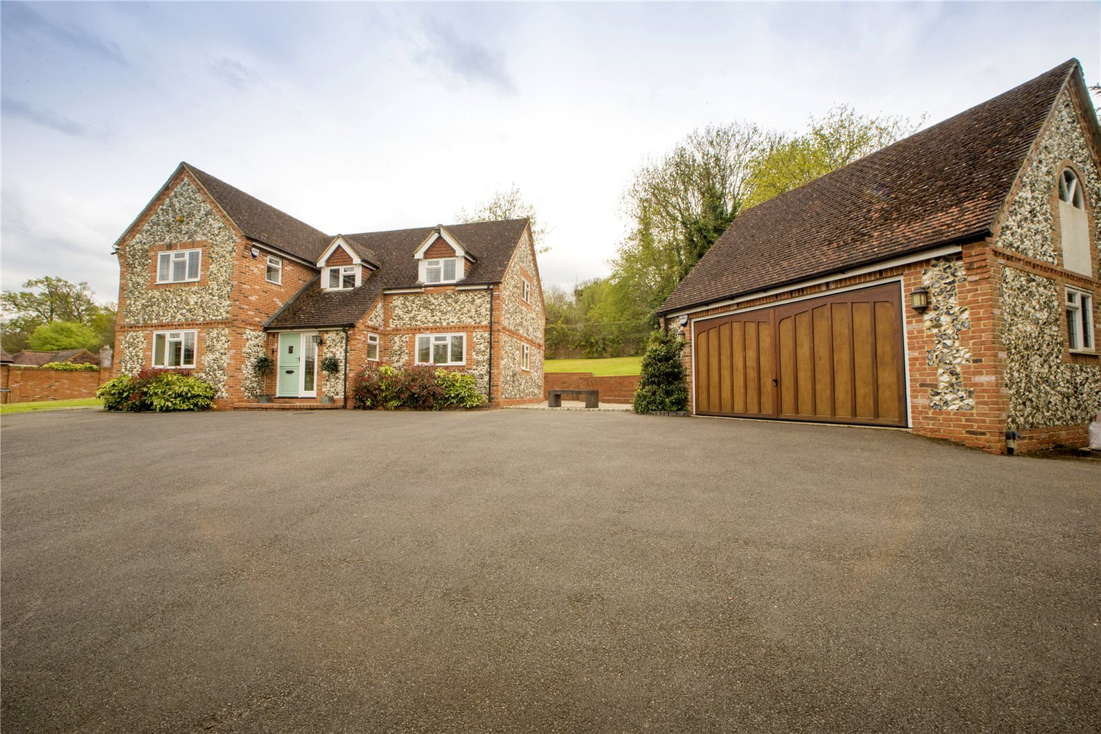 Additional photo for property listing at Grove Road, Burnham, Buckinghamshire, SL1 Burnham, Engeland