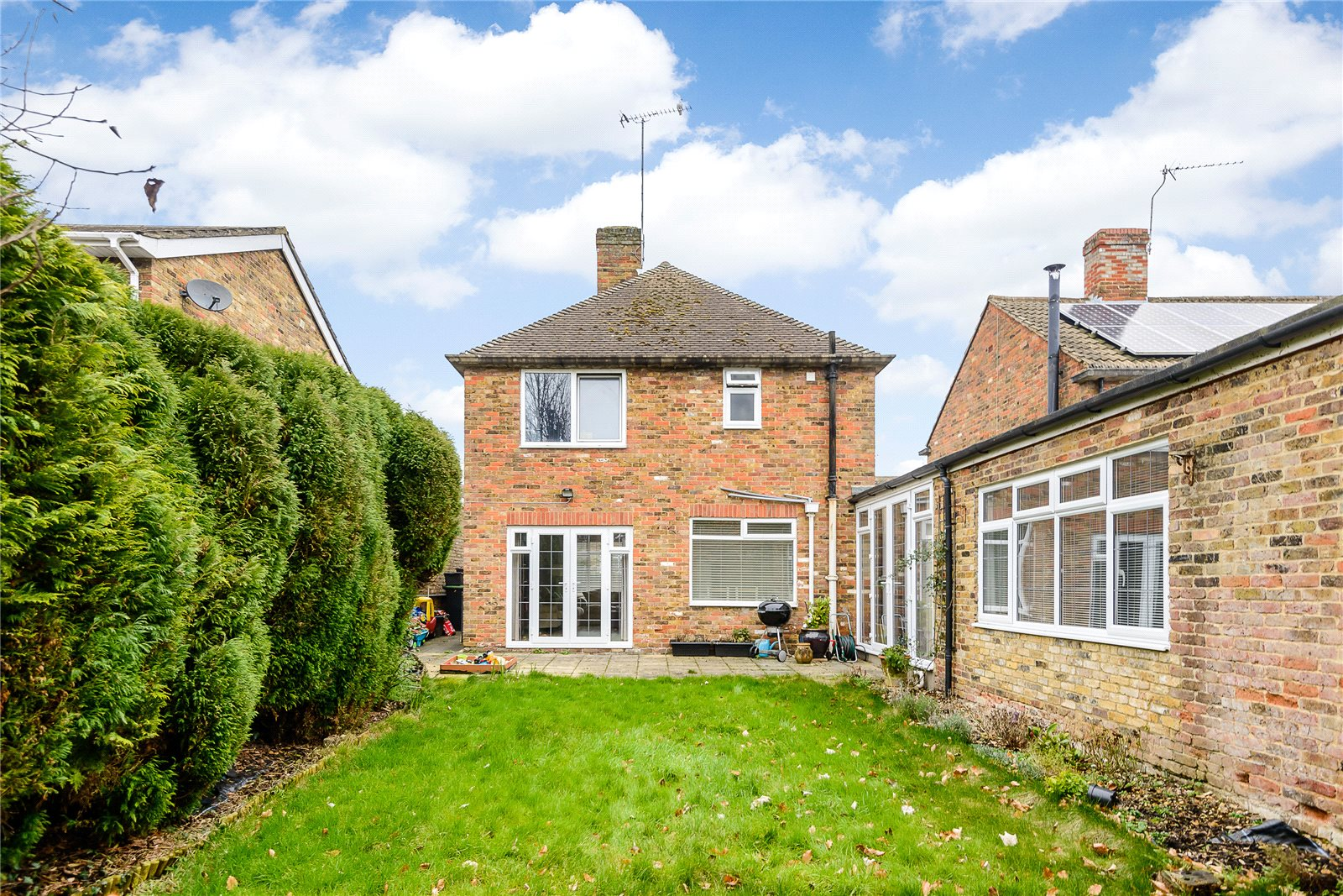Additional photo for property listing at Broom Hill, Stoke Poges, Buckinghamshire, SL2 Stoke Poges, Англия