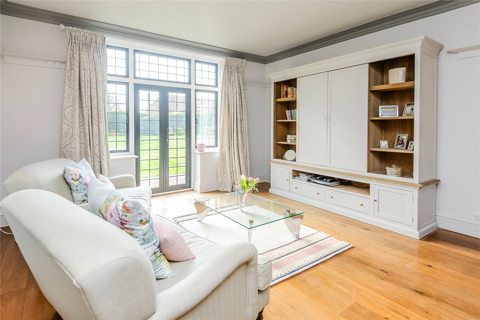 Additional photo for property listing at Packhorse Road, Gerrards Cross, Buckinghamshire, SL9 Gerrards Cross, England