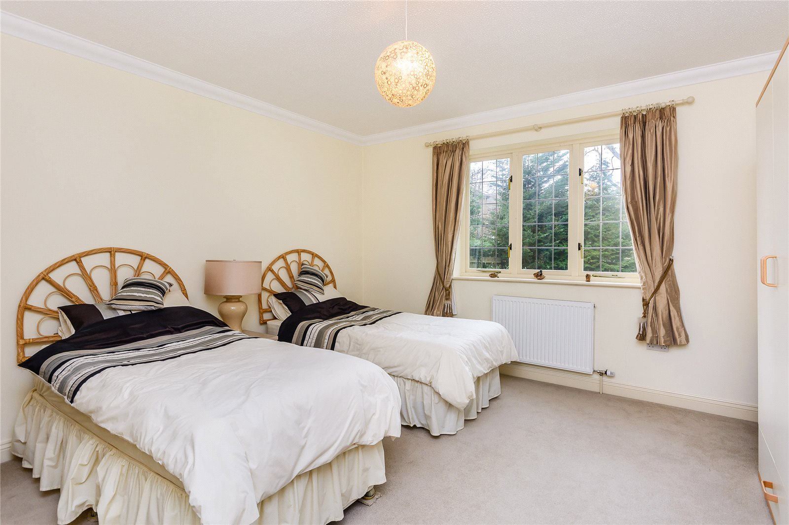 Additional photo for property listing at Mill Lane, Gerrards Cross, Buckinghamshire, SL9 Gerrards Cross, Αγγλια