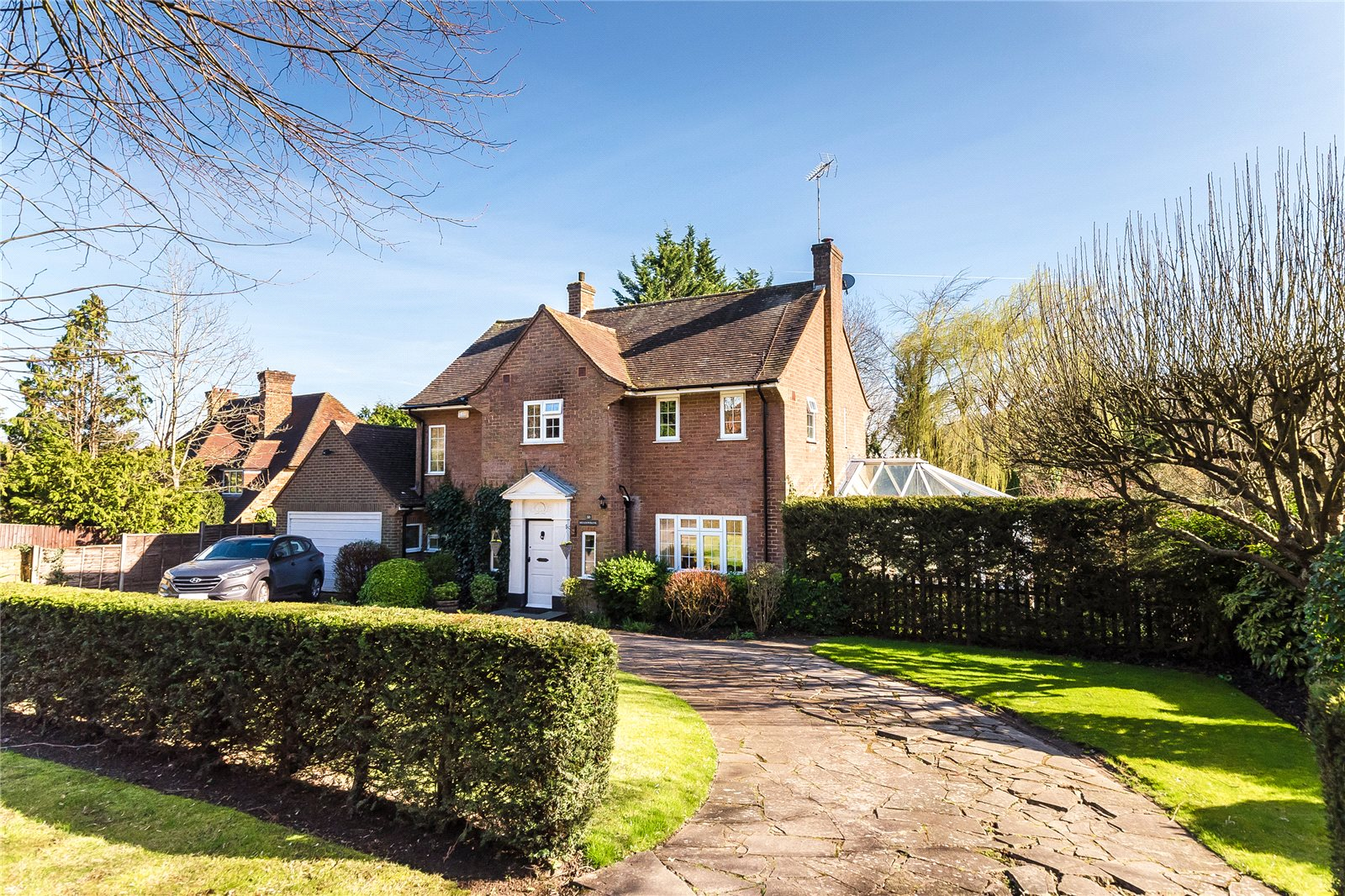 Additional photo for property listing at Beech Waye, Gerrards Cross, Buckinghamshire, SL9 Gerrards Cross, England
