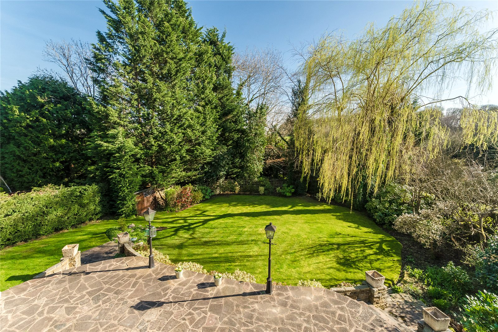 Additional photo for property listing at Beech Waye, Gerrards Cross, Buckinghamshire, SL9 Gerrards Cross, Inglaterra